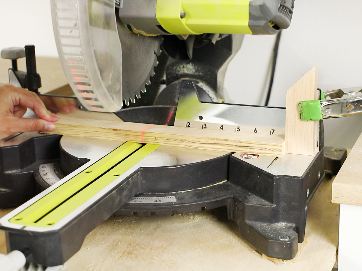Miter Saw For Beginners 2